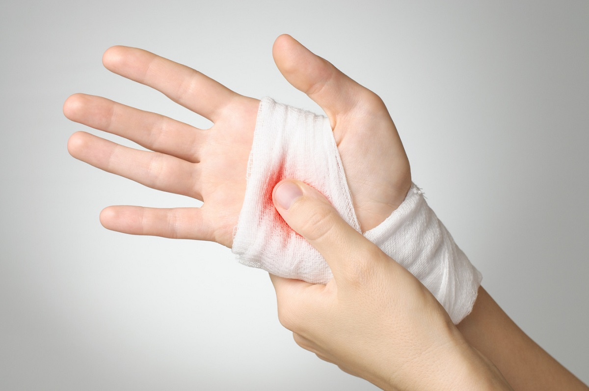 Реплантация руки в Киеве